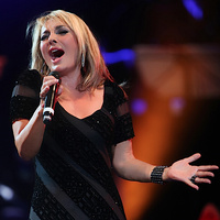 Googoosh - 'Parandeh (Live)'