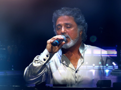 Dariush - 'Gelayeh (Live)'