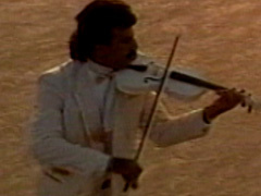 Bijan Mortazavi - 'Aasheghi Chieh'
