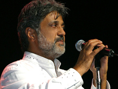 Dariush-cheshme-man-(live-at-gibson-amphitheatre)09278e83-original