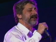 Ebi - 'Ki Ashkato Pak Mikoneh (Live)'